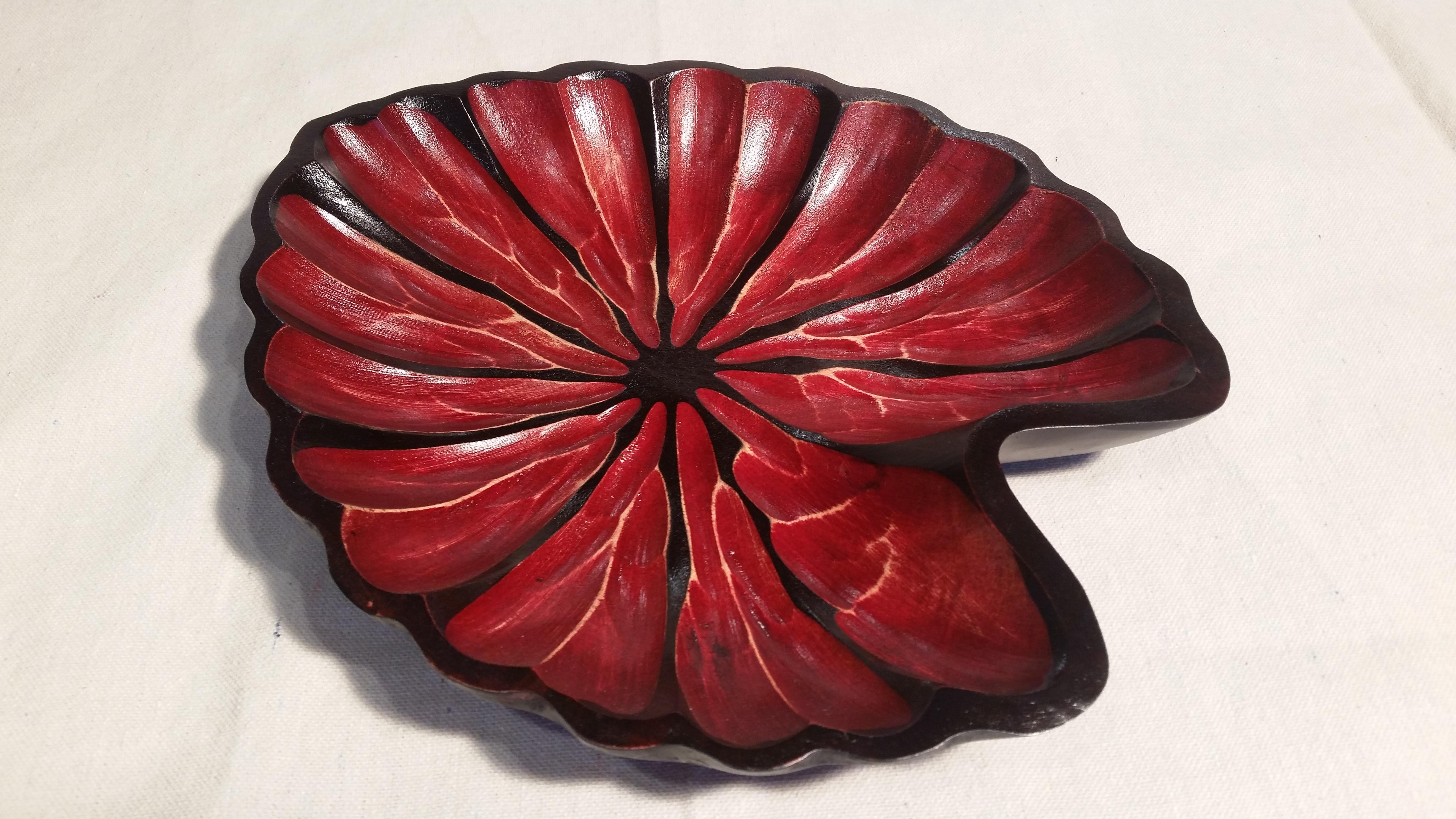 11 inch red leaf bowl